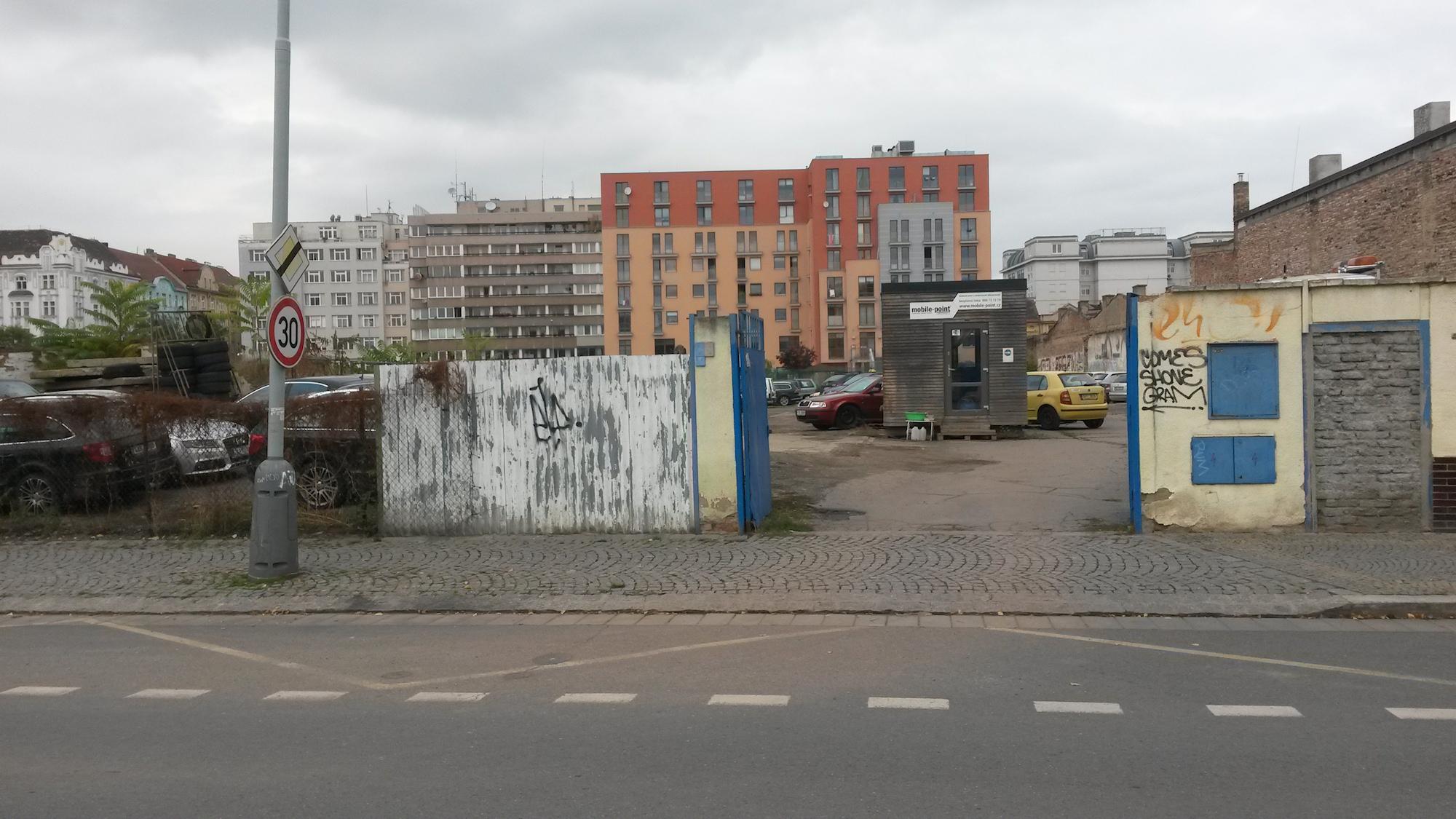 Parkoviště Jateční 39)
