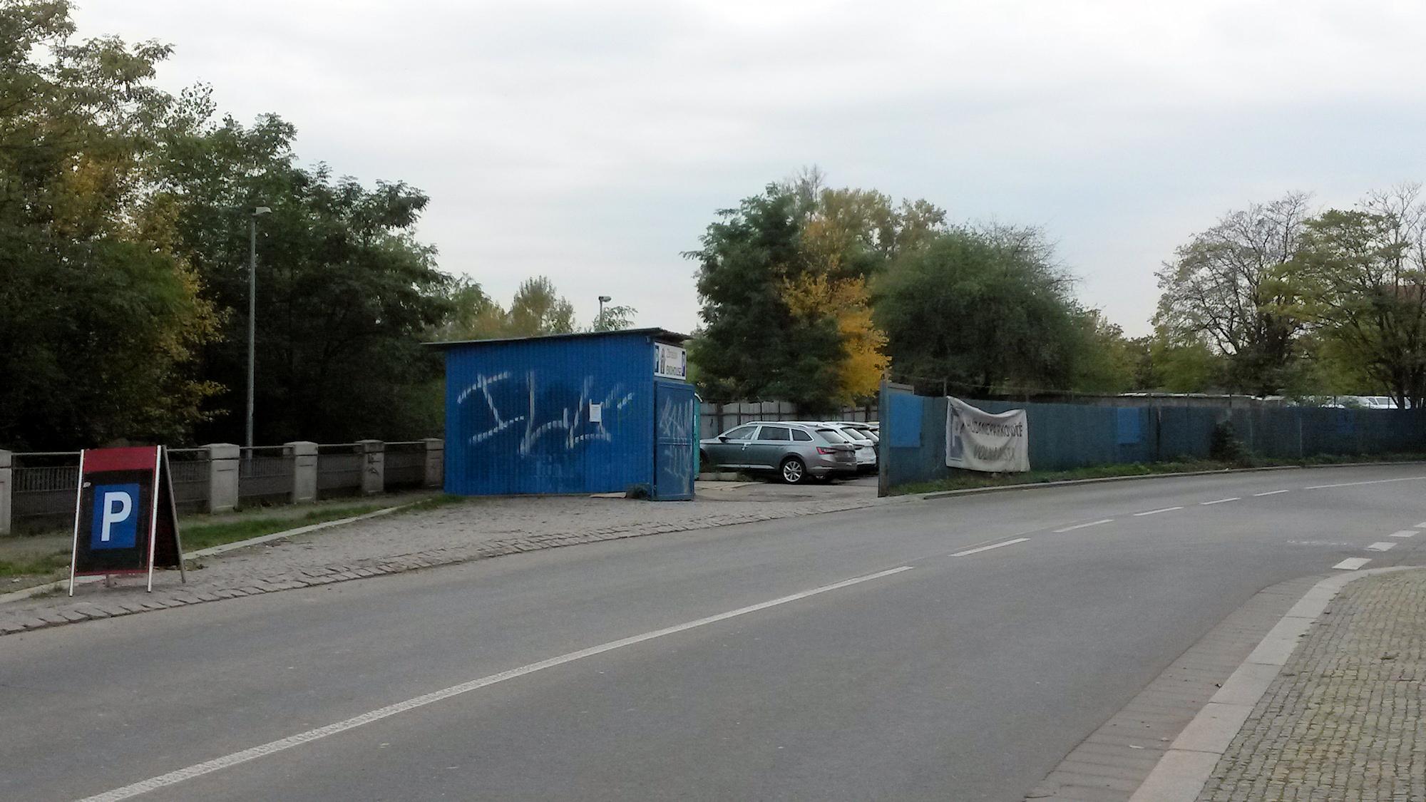 Parkoviště V Háji/Jankovcova